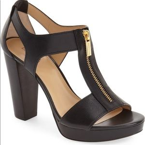 NIB Michael Kors Berkeley T-strap sandal